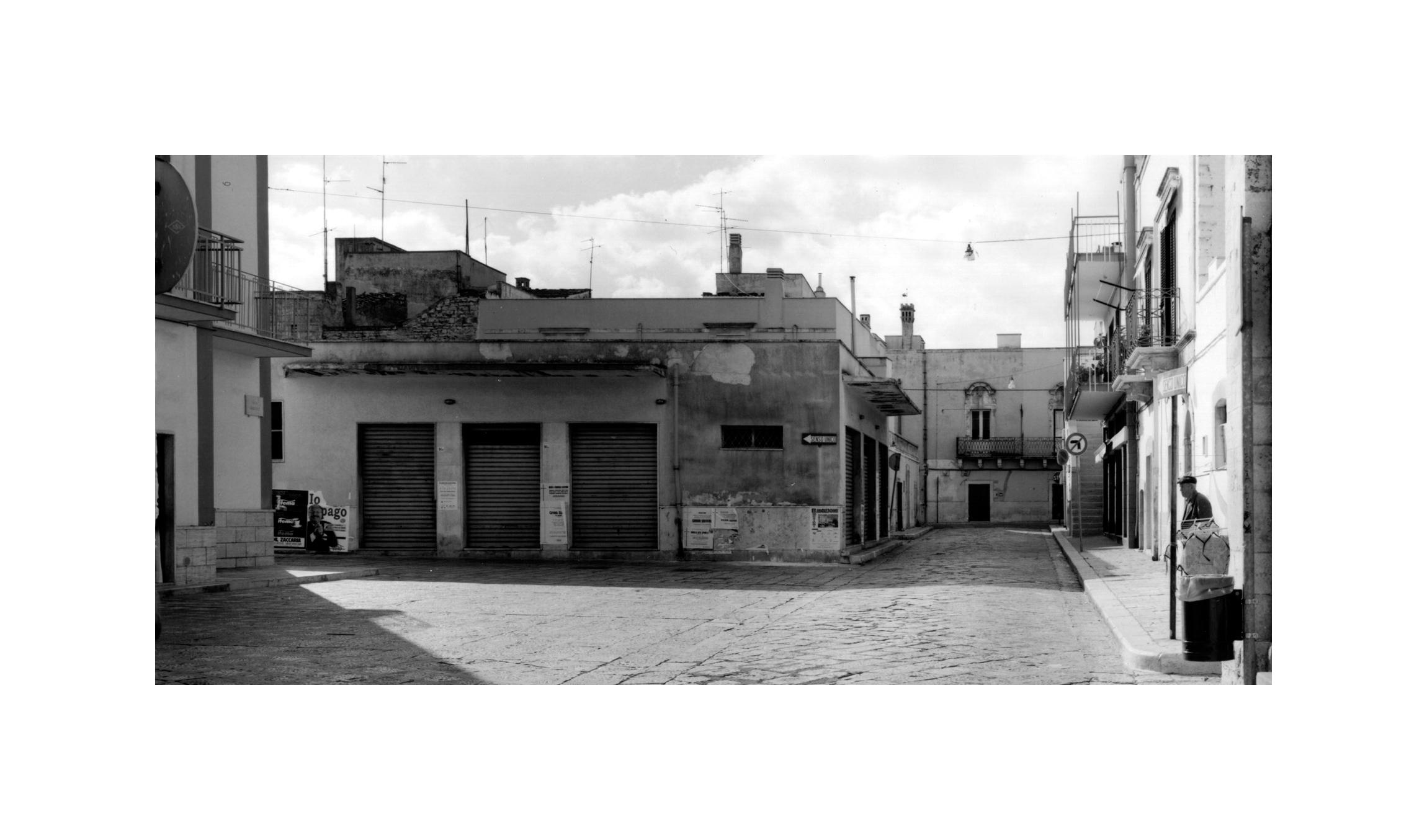 Piazza Caracciolo